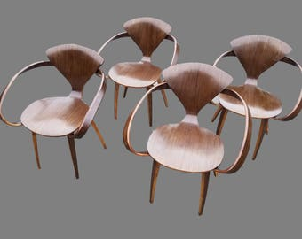Set of Four Cherner Style Bent Wood Pretzel Chairs
