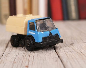 Vintage metal toy truck Old blue metal truck Vintage kids toy Vintage mechanical toy Vintage toy farm truck Vintage toy collector's