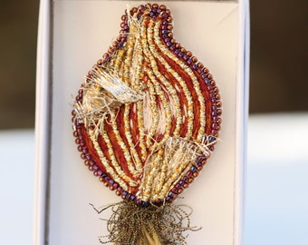 """Pine sewing, textile brooch """"Onions"""" brooch with silk threads and golden cord handembroidered"""
