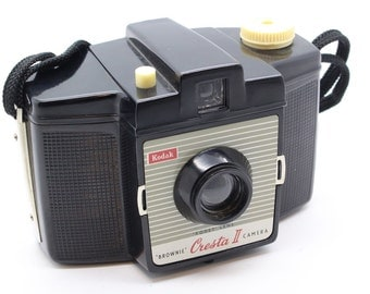 Kodak Brownie Cresta II Camera 120 Film – 1950's Classic Bakelite Snapper – With bag and promotion leaflet - Lomography