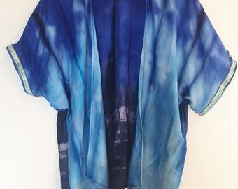Blue tie dye kimono with trim sleeve detail