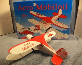 Mobil Mobilgas Gargoyle Beechcraft Stagger Wing Die Cast Airplane Bank  #6 In Series