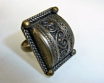 Orient-Ring from Morcco, Tribal Ring, Tuareg Ring Vintage, US Size 4, very small Ring, Gift for Her, Valentines Gift