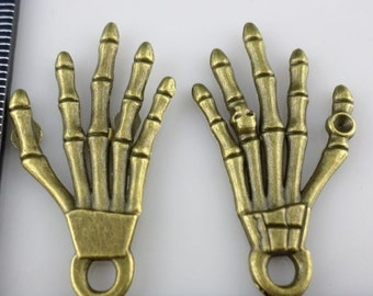 10/20/160pcs Ancient Bronze Skull Bone claws Charms Pendant 20x35mm