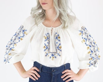 Beautiful Vintage Finely Hand Embroidered Bohemian Ethnic Peasant Blouse