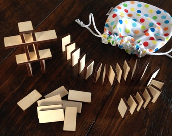 Construction game, pieces of wood to stack or juxtaposition to drop, developing creativity, motor skills, patience. Child gift.