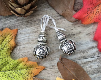 2pcs Round Silver Carved Buddha Sign Guru Beads DIY Stone Charms Loose  Beads Supplier For Buddha Necklace Mala Jewelry Findings