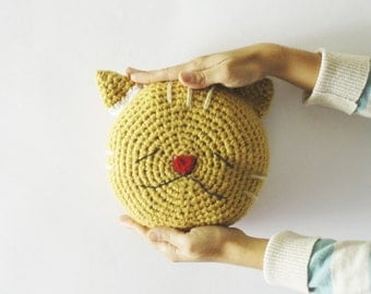 Crochet cat pillow, cat decoration, circular pillow, crochet cushion, Round crochet pillow, nursery decoration, baby cat toy