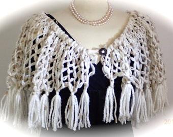 Unique shoulder shawl in white with brown flecks ... (REF 107)