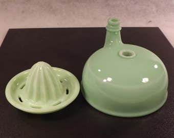 Jadeite mixer bowl with spout and juicer