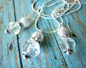 Bridesmaid Jewelry Bridal jewelry Wedding Jewelry Bridesmaid earrings necklace Bridesmaid gift Bridal Necklace White earrings White pendant