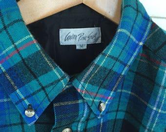 Vintage Carson Pirie Scott Shirt Made of Acrylic- Medium