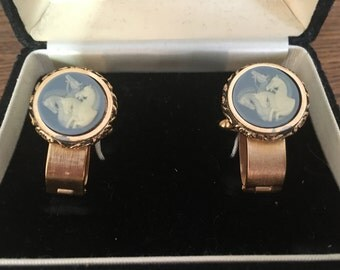 Dante Museum Masterpiece Baby Blue and White with Gold Mustangs Incolay Cameo Cufflinks 0943