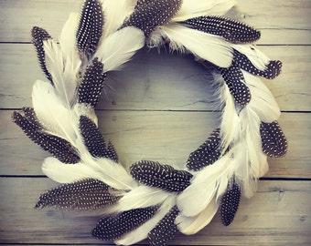 Boho feather Christmas wreath small (guinea / goose)