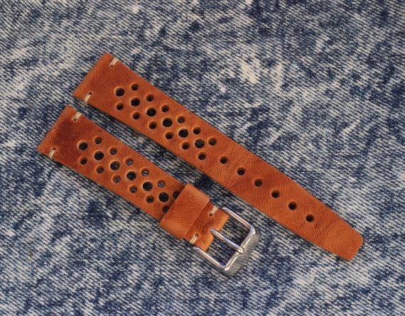 20/16mm Horween Dublin Rally watch band with simple stitching