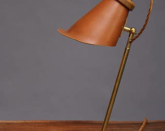 HangUp Table Lamp