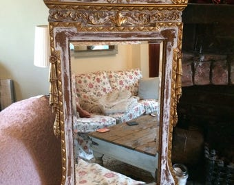 Beautiful Vintage Mirror in the style of George III distressed in white