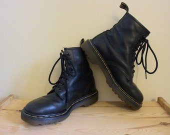 Awesome Vintage Early 90's Doc Marten's Black Leather Combat Boots