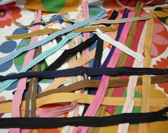 """25 Zippers Many Colors Cotton Poly 6 Sizes Nine 21"""" Eight 19"""" One 16"""" Two 15"""" One 12"""" Three 7"""""""