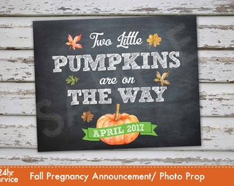 Twins Fall Pumpkin Pregnancy Announcement, Fall Pregnancy Reveal, Twins Pumpkin Pregnancy Announcement, Two Pumpkins, Pumpkin pregnancy DIY