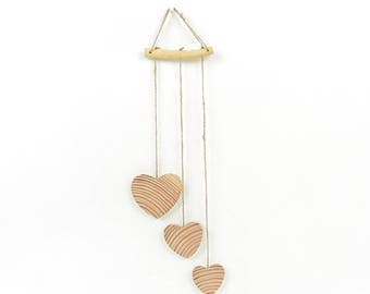 Wall decoration in wood, modern Scandinavian, mobile made up of 3 hearts suspended wooden