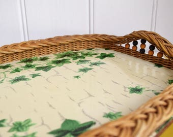 Vintage Ivy print melamine & wicker tray with beading.  Retro kitchen