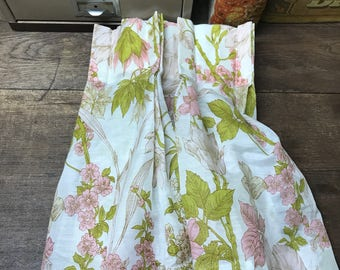 Vintage Valence Curtain Pink Green Floral Retro