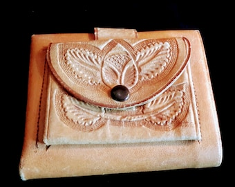 1970's tooled leather wallet with coin pocket!  Good condition