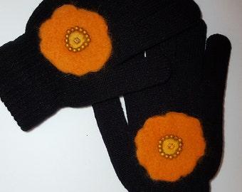 Winter gloves, gift for her, Christmas gift, embroidered gloves, gift for mom, cadeau femme,gants d'hiver pour femme, gants brodés