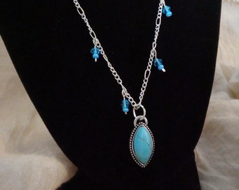Silver chain necklace with pendant
