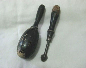 VINTAGE SEWING SUPPLIES Darning Egg and Tracing Wheel