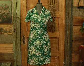 CLEARANCE vintage 1960s handmade pretty green floral print shift dress S