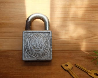 Lion Head Antique Rustic Works Padlock Old Padlock with Key Vintage Lock Antique Padlock Vintage Iron Lock Cottage Chic Industrial Decor