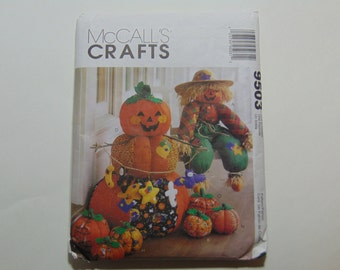 McCall's Craft 9503 Halloween Scarecrow and Pumpkin Sewing Pattern Uncut