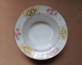 NIPPON small dish with Rose and gilt VINTAGE Nippon Handpainted can serve as a vacuum-Pocket VTG dish candy
