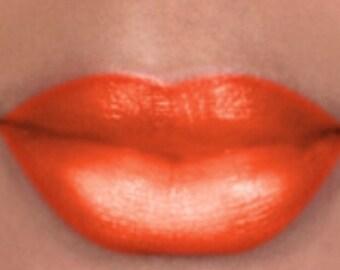 Saffon -Signature  Semi-Matte Full Coverage Lipstick