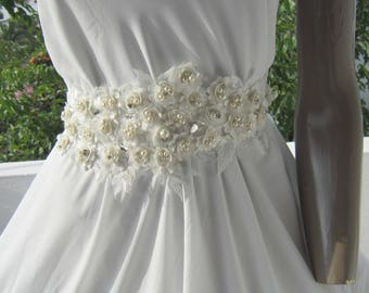 Ivory lace flower wedding dress belt sash/ Romantic Bridesmaid Belt , Bridal Sash, Pearl Belt, wedding accessories, wedding sash belt
