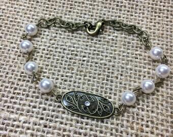 Antique inspired Swarovski pearl bracelet