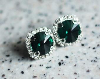 emerald screw back, emerald green rhinestone earrings, emerald studs, dark green earrings, luxury earrings, 50s earrings, 1940s 40s earrings