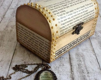Lord of the Rings Gift Set, Gift for LOTR fan, Handmade Box and Jewelry, Handmade necklace, Upcycled Book Pages, Decorated Box, Keepsake Box