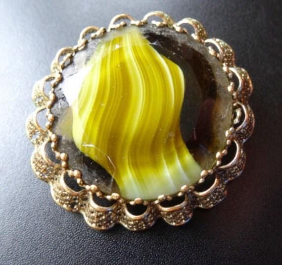 Lovely vintage 1960s Scottish goldtone filigree green yellow  banded  glass brooch