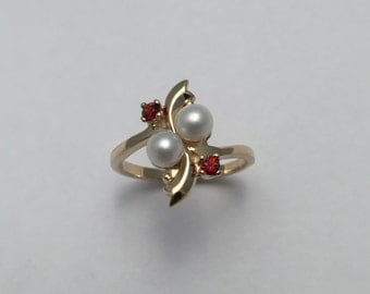 Style#503-14 Kt Yellow gold Pearl and Garnets