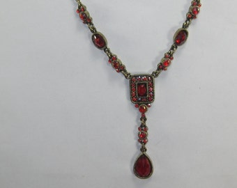 E-71 Vintage Necklace & earrings 18 in long