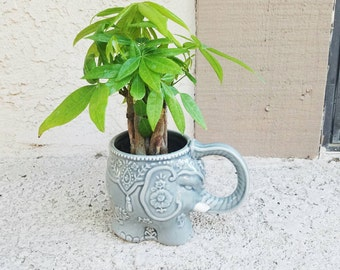Elephant lover Gray beautiful detailed elephant with lucky money tree