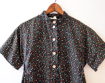 70s Floral Tulip Print Short-Sleeve Top with Tie-back