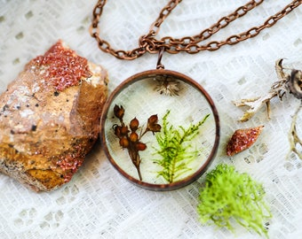 Real Moss necklace, Terrarium jewelry, Real flower necklace, botanical necklace, resin pendant,fairy garden, gift for her