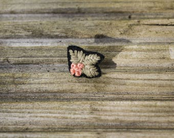 EMBROIDERED PIN // peach and black