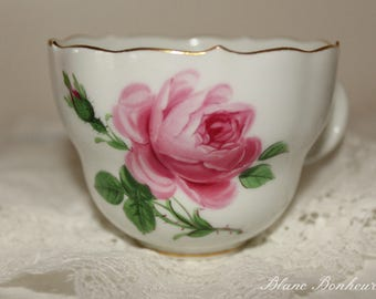 Meissen:  Orphan white tea cup with hand painted large pink rose