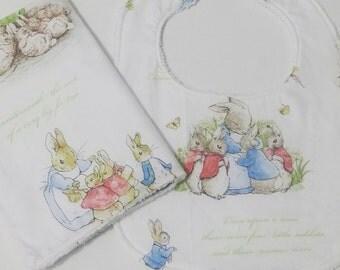 100% Botton bib and burp cloth newborn set - Peter Rabbit