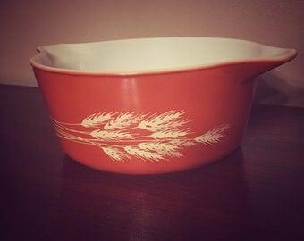 Vintage Pyrex Autumn Wheat Casserole Dish 475-B